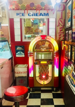 Jukebox in the Diner