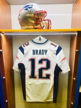 Patriots Helmet & Jersey